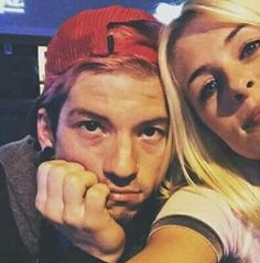 not enough pictures of jenna and josh exist<<ikr and then the rare ones that i see make me happy