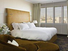 Lit double dans la chambre luxury à l'Hotel Sofitel Vieux Port de Marseille | France  #France #Marseille #Hotel #Chambre #Bedroom