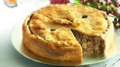 Pork Pie with Maple Syrup Tourtiere Recipe Quebec, Pie Recipes, Cooking Recipes, Organic Maple Syrup, Food Cost, Apple Pie, Food And Drink, Yummy Food, Favorite Recipes