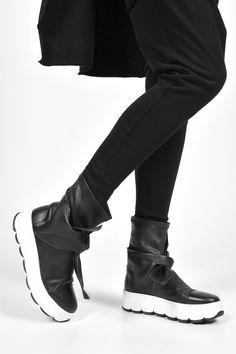 Die 98 besten Bilder zu Stiefel | Stiefel, Schuhe und Rundholz