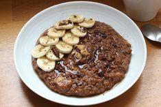 Porridge cacao banane et purée de cacahuète