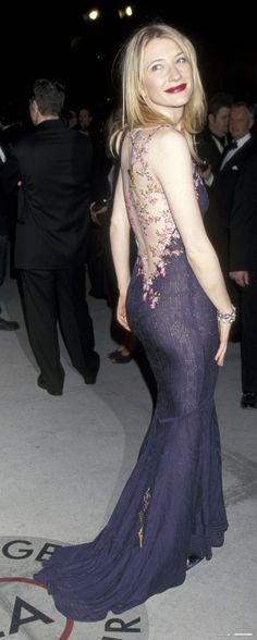 THE DRESS - Cate Blanchett John Galliano Oscars 1999. I miss her minimalistic lipstick only days.