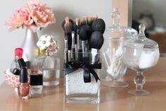 Blossom Everyday: BLOSSOM BEAUTY BITS: DIY Brush Storage