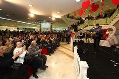 14 Şubat Sevgililer Günü etkinliği çerçevesinde İlhan Şeşen sevenleri ile #beylikduzumigrosavm 'de buluştu