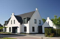 Hedendaagse interpretatie van een klassieke woning met grijze accenten. Villa Van Eijk   Krekon.