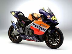 The Lineage of Hondas Grand Prix Motorcycles 2002 Honda RC211V Valentino Rossi 635x480