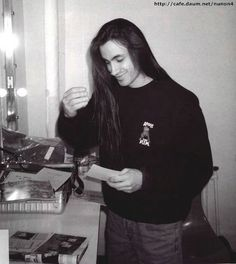 Nuno Bettencourt Extreme photo by niascissorhands Nuno Bettencourt, Perry Farrell, 80s Rock Bands, Jane's Addiction, Dream Guy, Record Producer, Cute Guys, Beautiful Men, Beautiful People