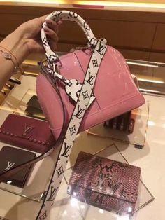 d9fb3044ace Authentic Louis Vuitton Bags