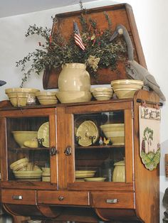 Country Sampler's 30 Icons of Country Style: Yellowware Redware Prim Decor, Country Decor, Rustic Decor, Farmhouse Decor, Country Style, Primitive Homes, Primitive Antiques, Country Primitive, Primitive Decor
