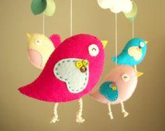 """Cuna móvil, móvil Bird, sintió móvil, guardería móvil, móvil del bebé """"Pájaro - rosa"""""""