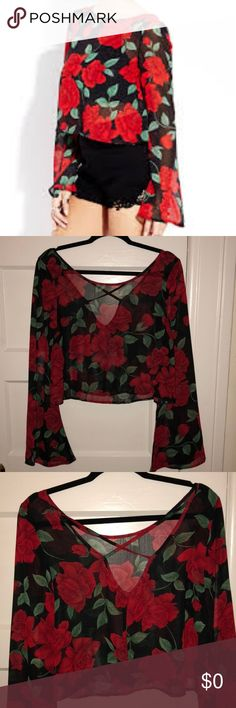 In Search Of This Top! Looking for this forever 21 crop top in a L/XL! Forever 21 Tops Crop Tops