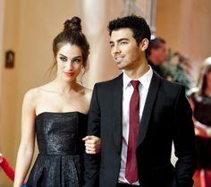 Joe Jonas guest stars on 90210!