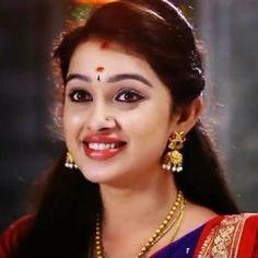 Most Beautiful Indian Actress, Beautiful Actresses, Indian Girls Images, India Beauty, Indian Actresses, Beauty Women, Feminine, Poses, Fan