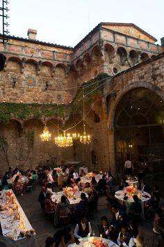 Castello di Vincigliata Tuscany Wedding, Photo by Anushe Low, design Wedinitaly.co.uk