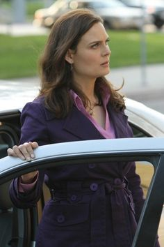 Still of Emily Deschanel in Bones