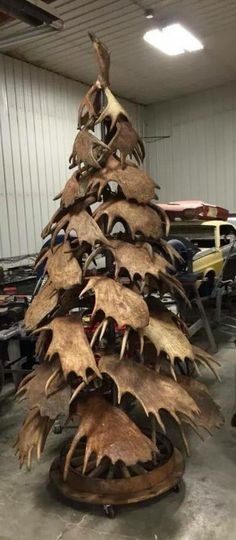 "Moose ""Antler"" Tree- This is absolutely gorgeous, but how many paddles to make this tree?  Sheds? I doubt."