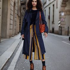 Stripes + stripes #fashion #fashionstreetstyle #fashionweek #fashionweekstreetstyle #fashioninspiration #fashioninspo #inspo #inspiration #style #streetstyle #streetstylefashion #fashionblog #fashionblogger #blogger #clothes #details #ootd #outfit #look #lookoftheday