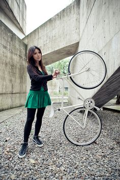 Fixed Gear Girl Taiwan (not a person but a notable blog community of female cyclists)