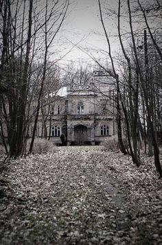 .Abandoned Mansions. #mansions