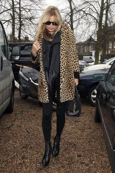 These are the best and most stylish ways to wear leggings this Fall: Kate Moss.