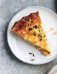 Itkettävän ihana sipulipiirakka   Leivonta, Kasvis, Suolainen leivonta   Soppa365 Hummus, Ras El Hanout, Savoury Baking, Quiche, Pizza, Menu, Cheese, Breakfast, Recipes