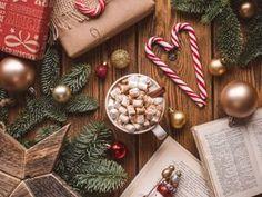 Christmas Coffee 🎄 shared by Elena Tkachenko Christmas Coffee, Noel Christmas, Winter Christmas, Xmas, Simple Christmas, Christmas Food Photography, Wallpaper Natal, Christmas Flatlay, Cute Christmas Wallpaper