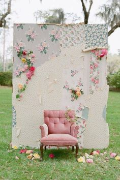 Shabby chic photo booth. Love this!!! Would make some really cute pics