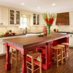Beautiful #red #table set! #redaccents #kitchen