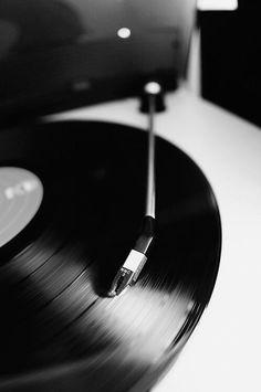 Картинка с тегом «music and black and white»
