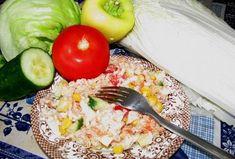 Rýžový salát s tuňákem Cobb Salad, Grains, Toast, Food, Red Peppers, Essen, Meals, Seeds, Yemek