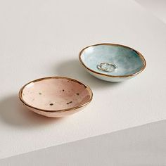 Each piece in Louisa Podlich's collection starts as a tiny ball of clay and is shaped and decorated by hand, a mano. The A MANO Dotted Ceramic Trinket Dish comes in white with a black polka dot print + gold trim and is the perfect spot for y… Ceramic Decor, Ceramic Bowls, Decorative Pillows, Decorative Bowls, Decor Pillows, Decorative Accents, Glass Shadow Box, Modern Sculpture, Sculpture Clay