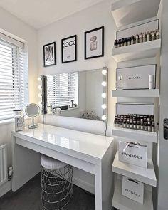 Cute Bedroom Decor, Room Design Bedroom, Bedroom Decor For Teen Girls, Stylish Bedroom, Room Ideas Bedroom, Grey Home Decor, Dressing Room Decor, Dressing Room Design, Beauty Room Decor
