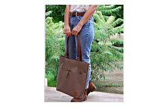 Stone női válltáska Stone shoulder bag #bbag #bőr #bőrtáska #greybag #leatherbag #leathershoulderbag #leather #szürketáska Bago, Leather Bags, Leather Tote Handbags, Leather Formal Bags, Leather Purses, Leather Bag, Leather Totes