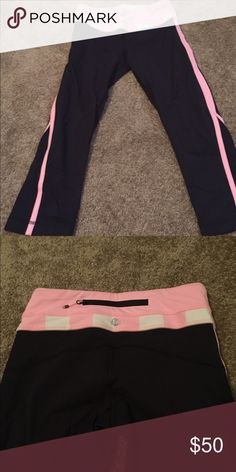 Lululemon crop pants lululemon crop pants. Still in great condition lululemon athletica Pants Ankle & Cropped