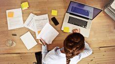 Existe várias maneiras de ganhar dinheiro trabalhando no conforto do seu lar através da internet.  Vou passar aqui 3 dicas muito rentável.