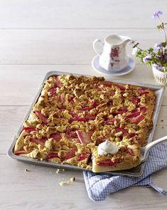 Unser beliebtes Rezept für Brioche-Rhabarberkuchen und mehr als 55.000 weitere kostenlose Rezepte auf LECKER.de.