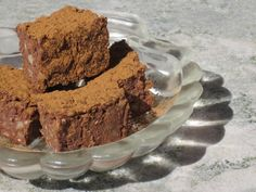 Lördagsgodis med Choklad och Kokos à la Paleo och LCHF Lchf, Paleo, Keto Recipes, Desserts, Food, Candy, Cookies, Tailgate Desserts, Sweet