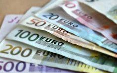 Brexit, rischio aumento mutui degli italiani E' facile immaginare che adesso le banche reagiranno al picco in Borsa scaricando i costi sui nuovi prestiti. L'impatto maggiore si farà sentire sui prestiti con un tasso variabile.   Il giorno do #brexit #aumento #mutui