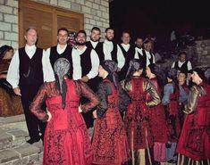 Ζαγορίσιες φορεσιές από τον πολιτιστικό σύλλογο Αρίστης Ζαγορίου Greeks, How To Wear