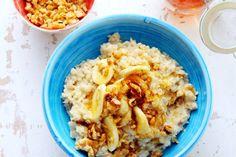 Onze oma's wisten al wat goed voor ons was: havermoutpap! Deze keer met honing, banaan en walnoot - Recept - Allerhande