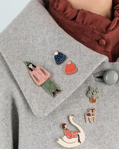 Pins! Horaay! This season's essentials are our precious enameled accessories illustrated by Jennifer Bouron to custom your coats, jackets, jumpers, bags and rucksacks. Available on www.lazzarionline.net and in our stores. #Lazzari #LazzariStore #LazzariGirl #pins #enameledpins #enameled #spille #JenniferBouron