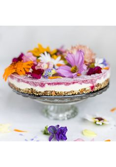 7 RECIPES WITH EDIBLE FLOWERS THAT WILL MAKE YOU FEEL LIKE A FAIRY