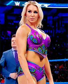 Charlotte Flair is always ready for a fight. Watch Wrestling, Wrestling Divas, Women's Wrestling, Wwe Female Wrestlers, Female Athletes, Charlotte Flair Wwe, Wrestlemania 29, Wwe Women's Division, Wwe Girls
