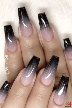 20 einfache schwarze Nail Art Design-Ideen … – Nagel Design Ideen, You can collect images you discovered organize them, add your own ideas to your collections and share with other people. Halloween Acrylic Nails, Black Acrylic Nails, Summer Acrylic Nails, Best Acrylic Nails, Black Ombre Nails, Nail Summer, Goth Nails, Edgy Nails, Stylish Nails