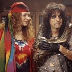 Laura Prepon & Alice Cooper on 'That Show' Alice Copper, Michael Kelso, Thats 70 Show, Don Knotts, Goth Music, Carolyn Jones, The Andy Griffith Show, Laura Prepon, Show Dance