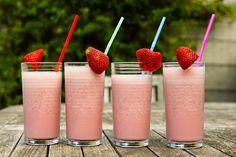 Heerlijk fris en gezonde aardbeien milkshake.