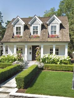 Rustic Cottage House Exterior Design Ideas To Copy – House Design Dream House Exterior, House Exterior Design, Bungalow Exterior, Cottage Exterior, House Exteriors, Cute House, Rustic Cottage, White Cottage, Sims House