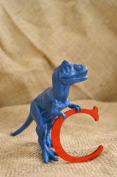 DIY dinosaur craft www.spaceshipsandlaserbeams.com