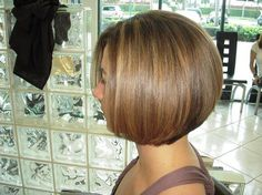 OK, that's one fucking killer bob! Hairstyles Haircuts, Pretty Hairstyles, Short Hair Cuts, Short Hair Styles, Salon Pictures, Inverted Bob, Hair Color And Cut, Different Hairstyles, Cut And Style