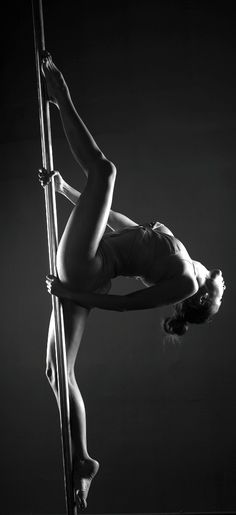 pole dancing. Fit & Fab. Eat clean, dance dirty with StripTeas™ by STC. #fitspo #stripteas #satoritea http://satoriteausa.com/pages/strip-teas-by-satori-tea-co